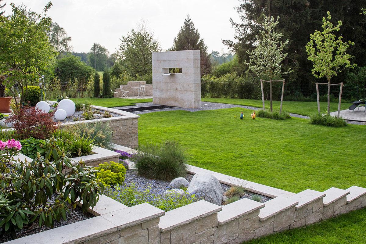 http://galabau-thaler.de/content/6-inspiration/1-hausgaerten/13-garten-13/anlage-steine.jpg