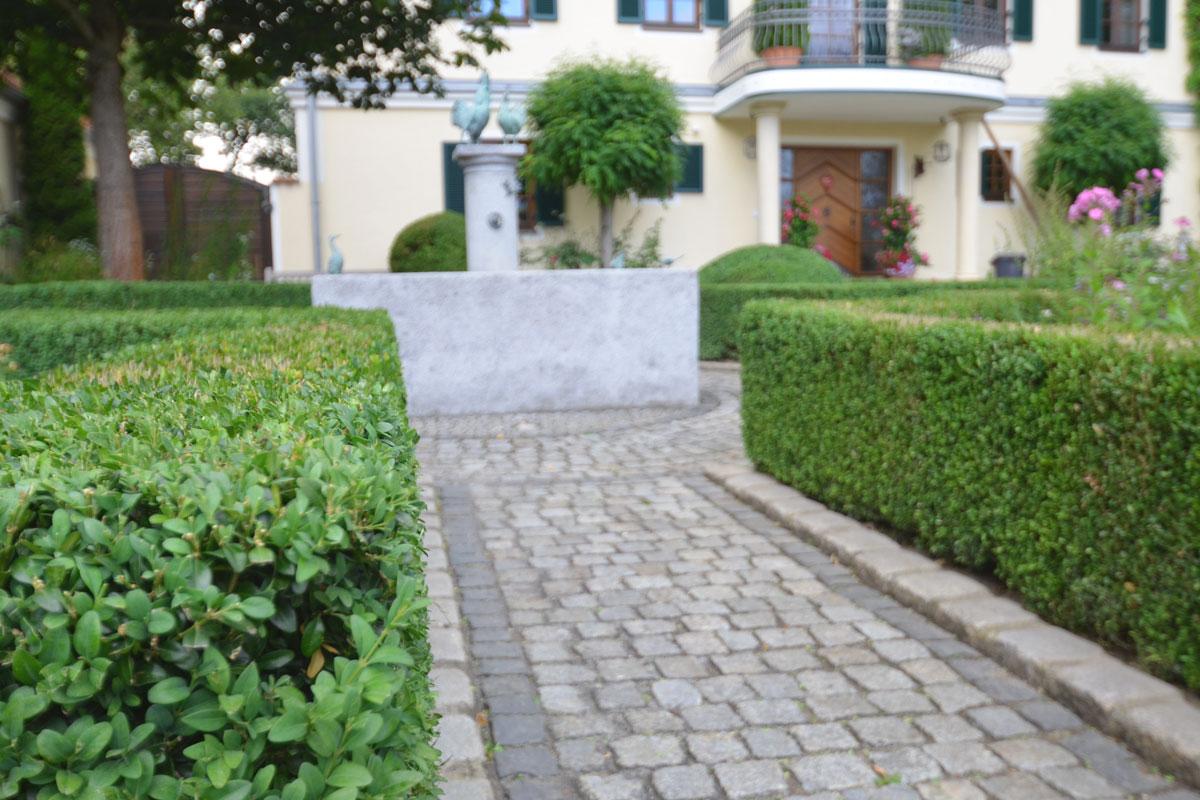 https://galabau-thaler.de/content/6-inspiration/1-hausgaerten/15-garten-15/dsc-0781.jpg